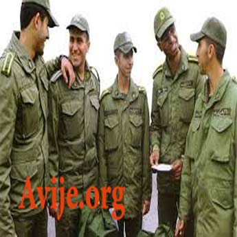 سربازان در حین سربازی