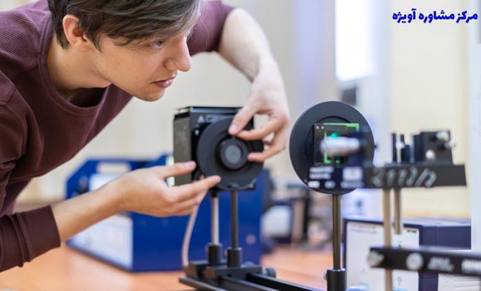 مهندسی اپتیک و لیزر یا مهندسی پزشکی